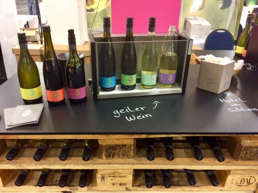 Wein von 3 Messestand